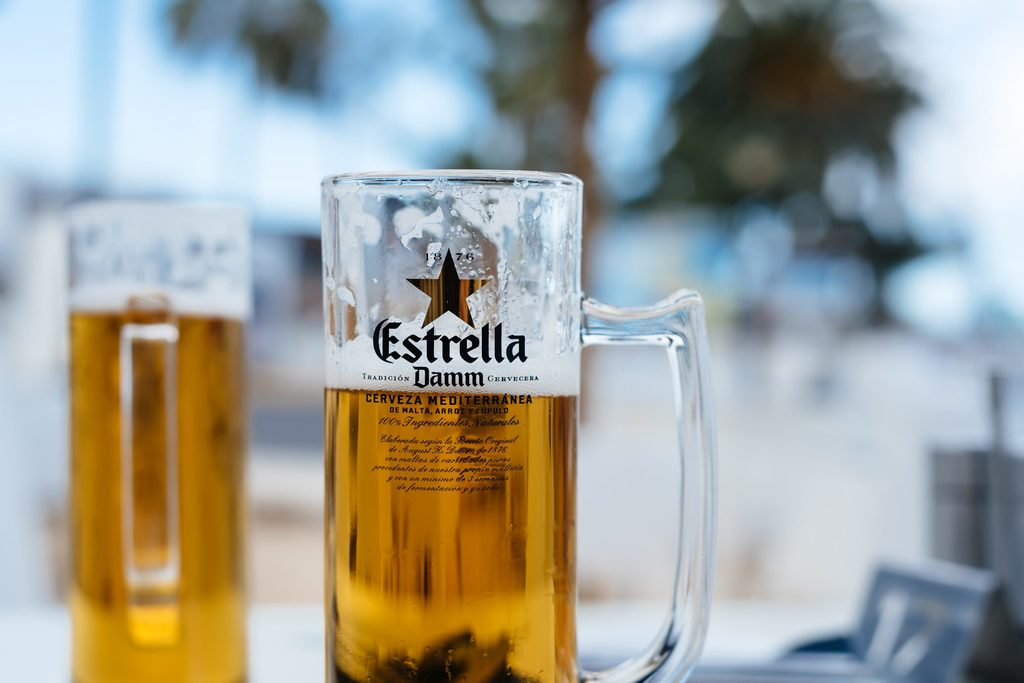 How many calories are there in a pint of Estrella Damm