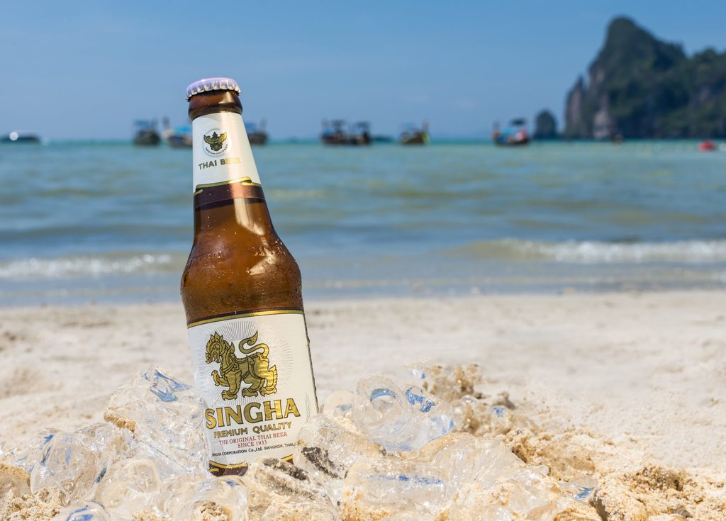 How many calories are there in Singha beer
